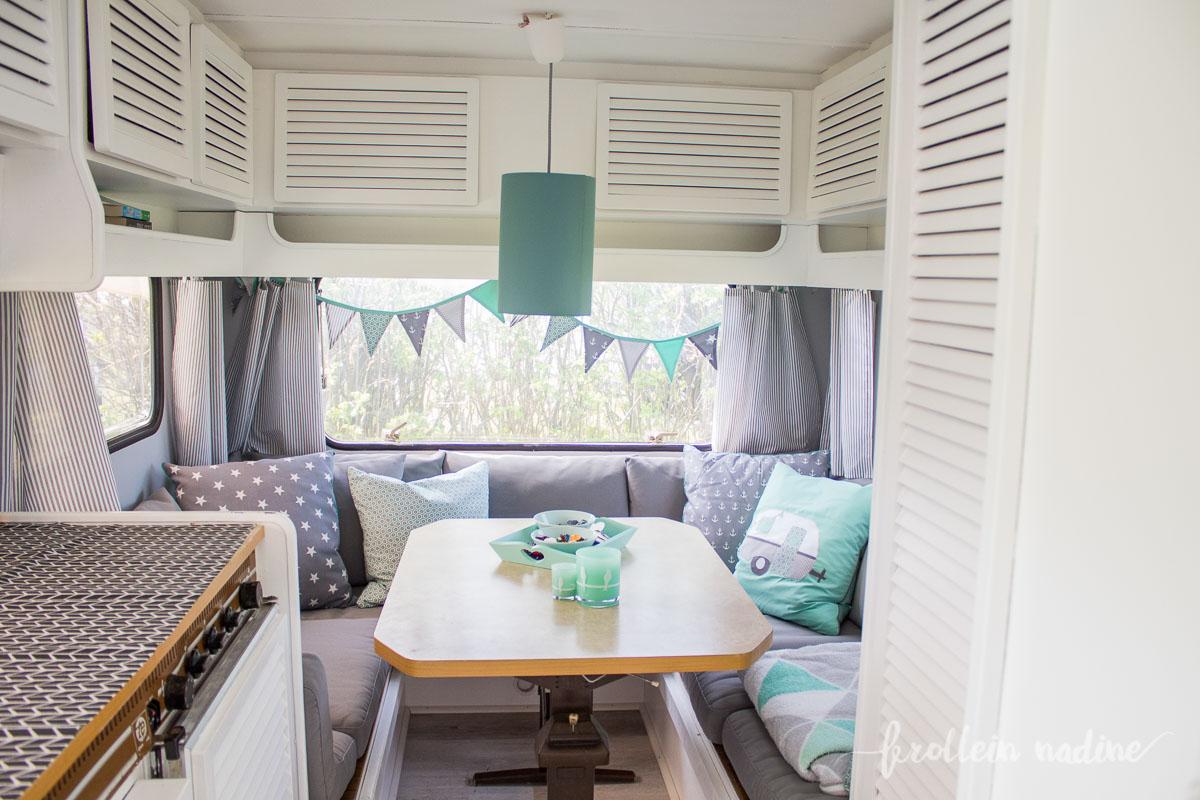 caravanmakeover aus alt mach neu hugo unser neuer wohnwagen zieht ein frollein nadine. Black Bedroom Furniture Sets. Home Design Ideas